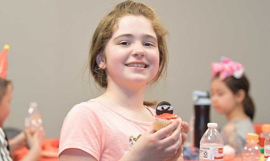 girl-cupcake